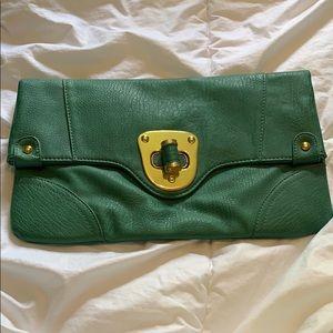Clutch like purse